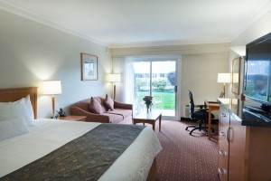 Standard-King-Courtyard-Room-hull-BC3C0251