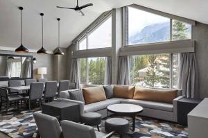kanaskis-livingroom
